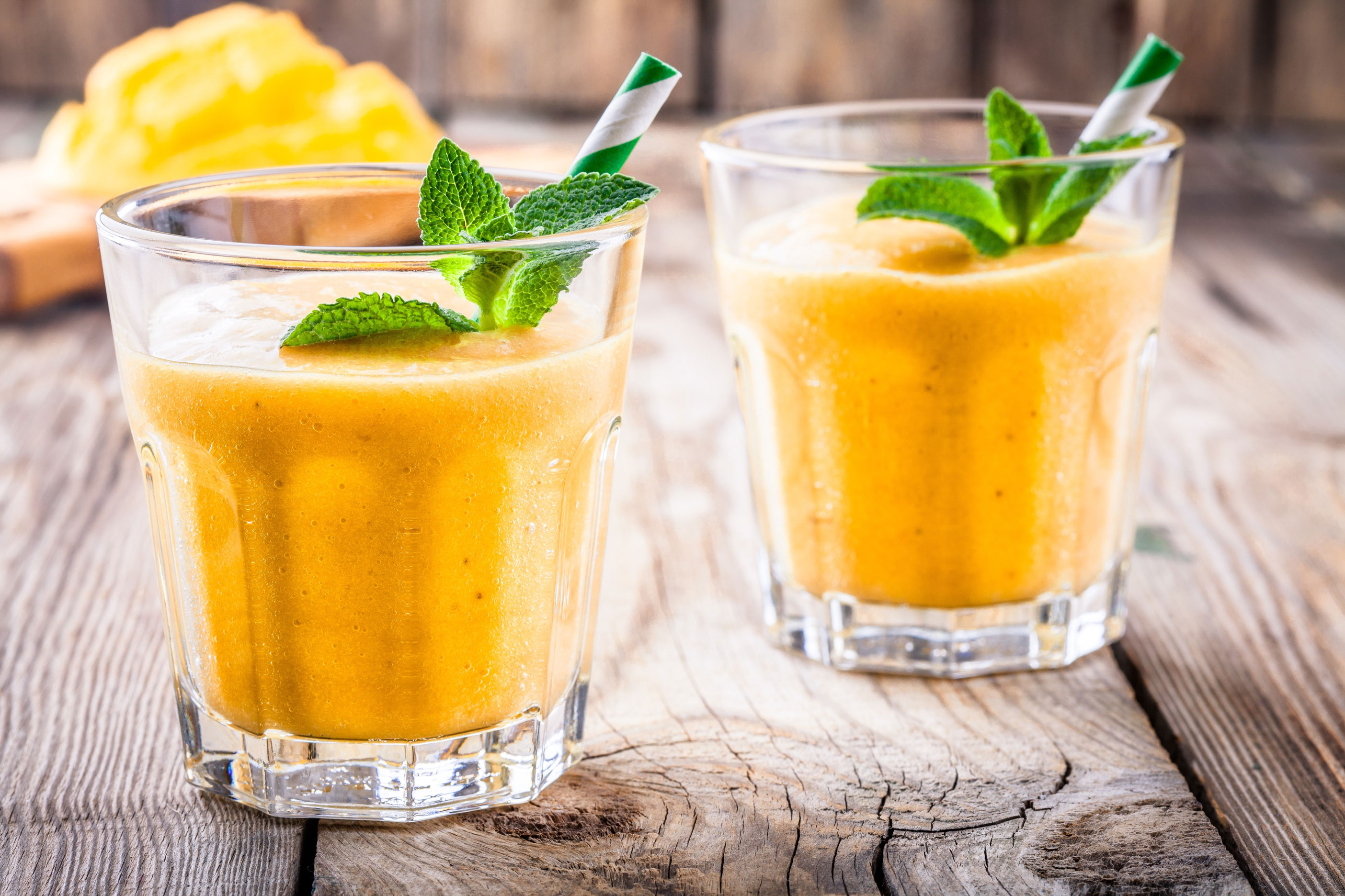 mango pineapple smoothie instructions